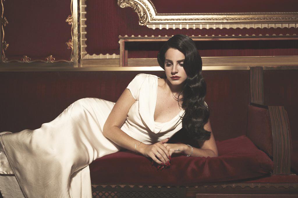 Lana Del Rey 介紹 — Norman Fucking Rockwell 專輯樂評:  原諒世界的殘酷,給每個絕望的靈魂最溫柔的擁抱