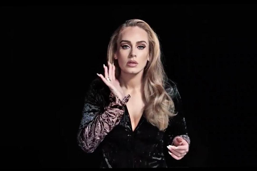 Adele 愛黛兒的歌聲是否有改變?經歷聲帶手術、瘦身有成,她能否像以往那樣恣意高歌?