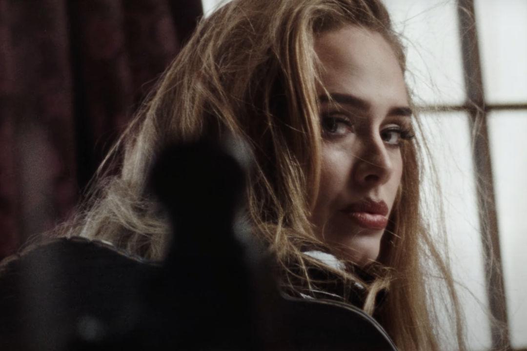 Adele – Easy On Me 歌詞翻譯與歌曲介紹 首談離婚後心情